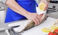 Как надо готовить рыбу, чтобы не съесть живого паразита